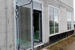 2-flügelige Tür,ein flügel nach aussen öffnend,das andere nach innen